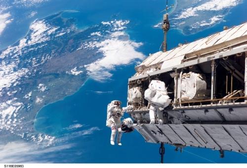 ig316_sts_spacewalks_09_02